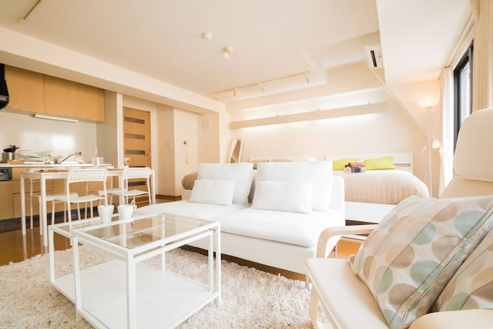 5 min Dotonbori Top Floor Suite 4ppl #701