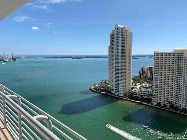 Luxurious Apartment in Downtown Miami/Brickell