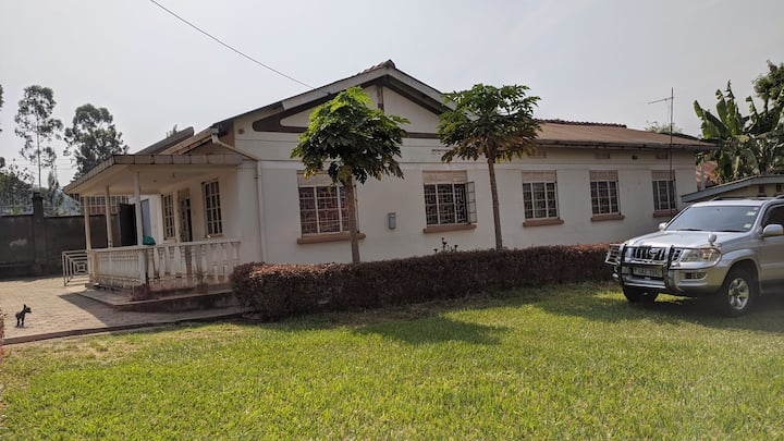 4 bedroom house 10minutes walk to Mbale town