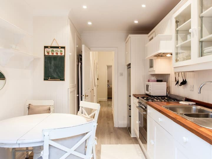 Bright 1 bedroom flat in Chelsea