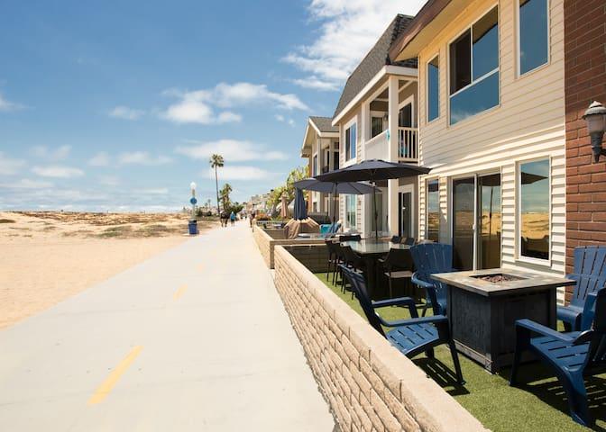 Located right on the Boardwalk near the Balboa Pier