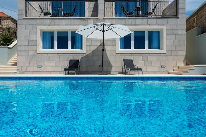 Kabalero - Studio with Patio and Pool View 2
