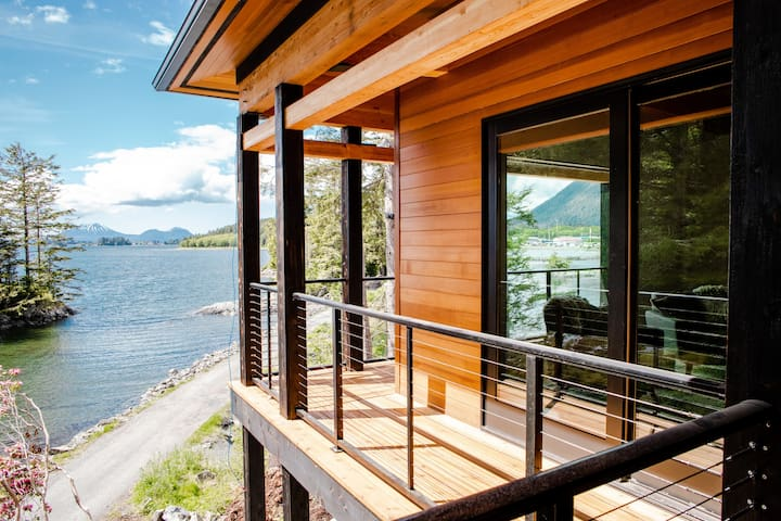 Stone Lantern House - The Ultimate Luxury Retreat