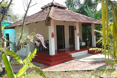 Cottage on Marari Beach - twin bed a/c