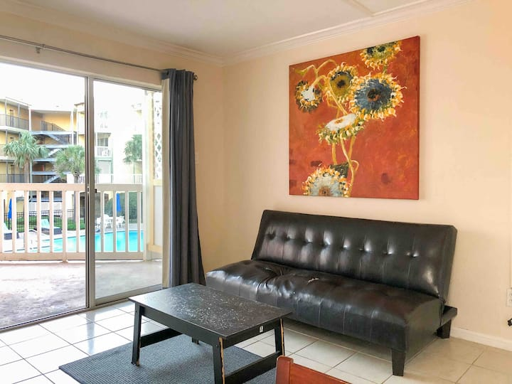 Casa Grace, Beach Condo, Sleeps 5, Low Prices!