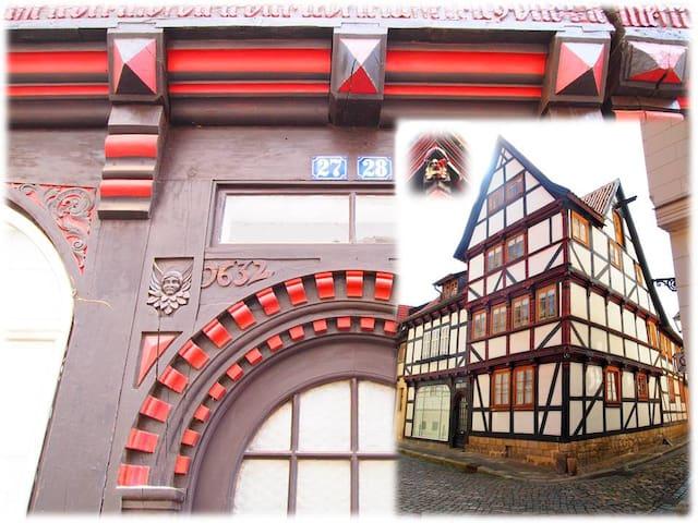 Wohnen im Fachwerk von 1632 - Zentrum Quedlinburg - Quedlinburg - Apartment