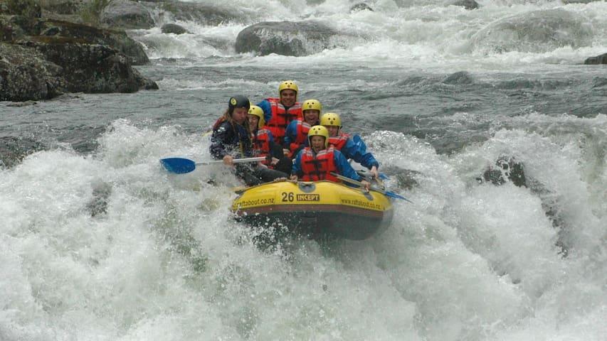 Thrilling Wairoa River rafting
