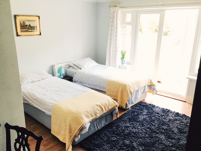 Joy's Room (Room only. No B&B) - Harbertonford - Casa