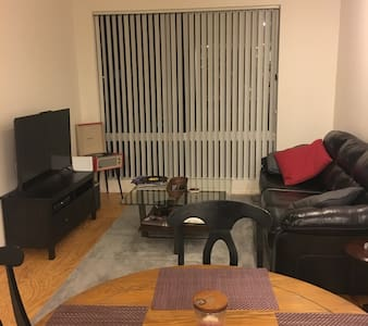 Downtown Apartment in the heart of Brady District - Tulsa - Departamento