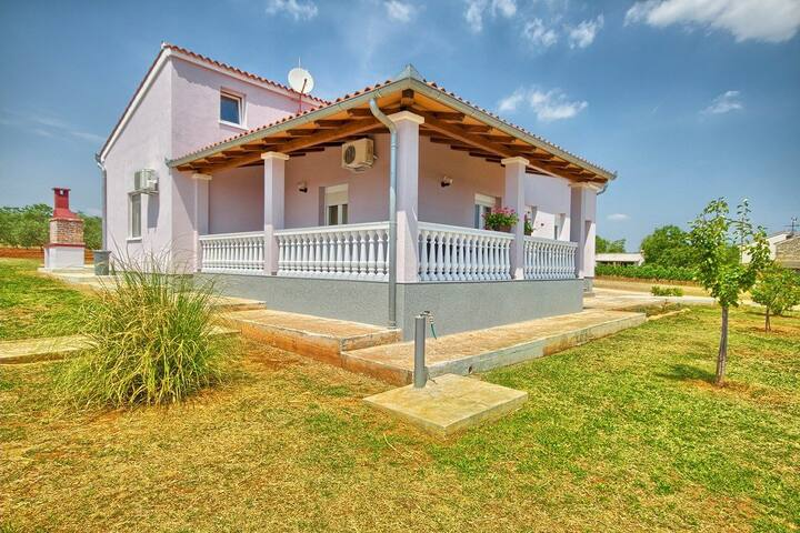 House Casa Nina&Tea (73812-K1)