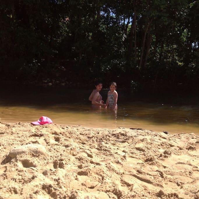 El Rio con arena blanca
