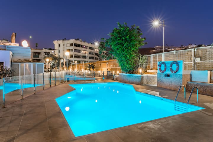 Calypso Oasis Apartments - Pool View