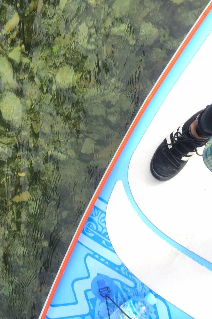 水の綺麗さがもっとも身近に感じられるのがSUPの魅力