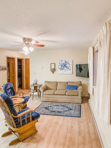 PineTop Apartments (Unit 3)