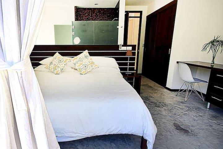 Surf ,Sleep, Relax in Style & Comfort Villa # 2 - Playa Guiones - Villa
