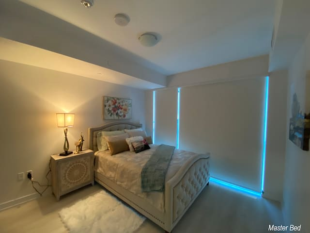 Master Bed Room Queen Bed