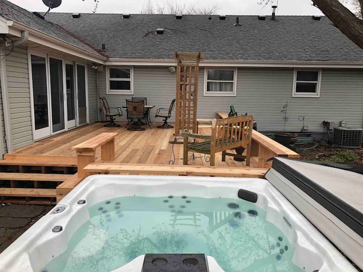 Private Home w Hot Tub 14 Min from Downtown