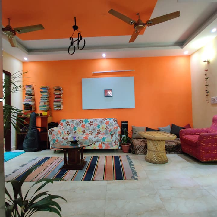 ★MonthlyStays★all amenities provided in budget★