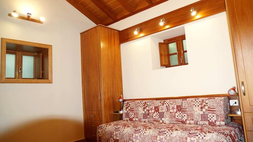 Wohnzimmer mit 2 Schlafzimmer Möglichkeit