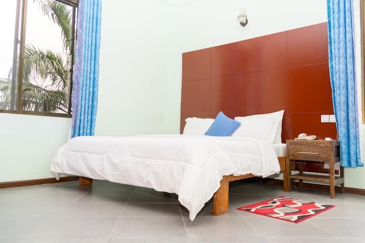 Clean & Neat Deluxe Room@ THE GRAND VILLA HOTEL