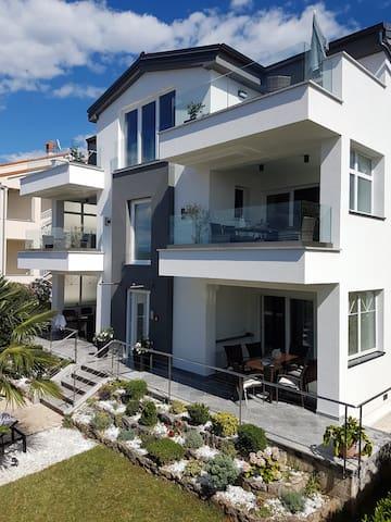 Apartment1 - 4*, modern, sea view, 2020 renovated