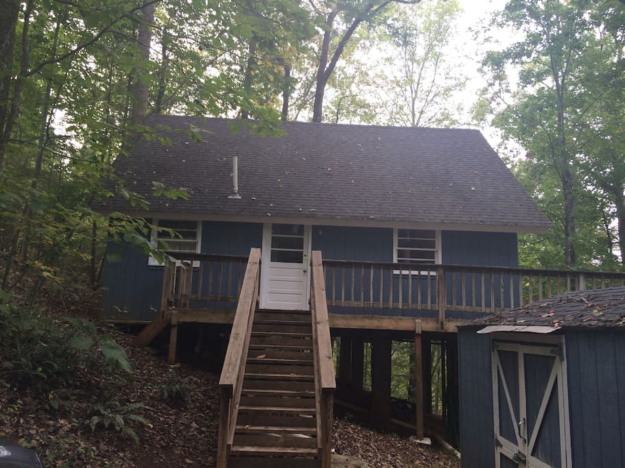 Cozy lakeside cabin cabins for rent in madison virginia for Charlottesville cabin rentals hot tub