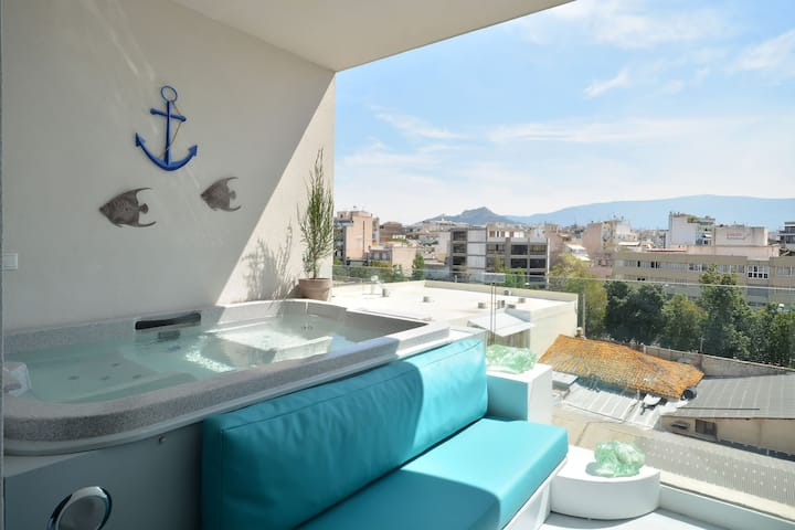 Luxury Jacuzzi Apt with Acropolis view in Gazi