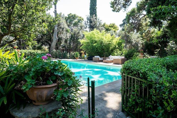 """Orange Cottage apt inside Villa Trabia - Villas for Rent in Bagheria, Sicilia, Italy"""