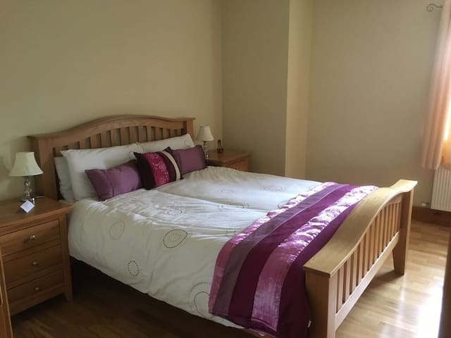 Comfortable Private Room With En-Suite & Wi-Fi