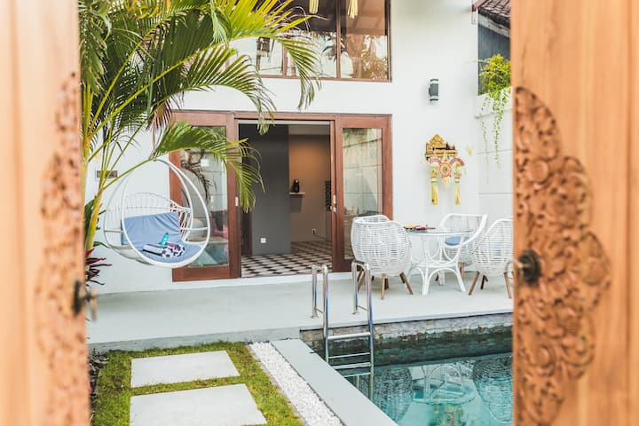 70% off 1 bdr Villa- SEMINYAK - 300m  to the beach