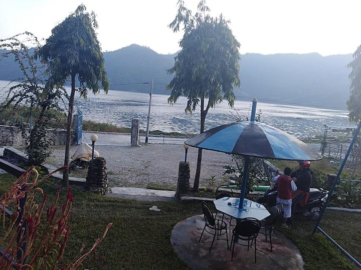 Jirekhurasani Restaurant and Guesthouse