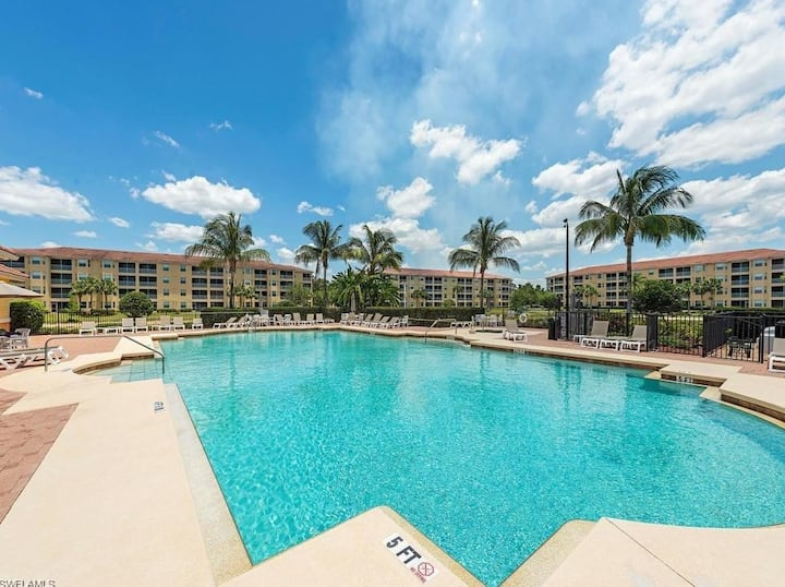 Perfectly Located Fort Myers Condo with Pool