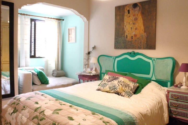 Charming big room in the best location of Valencia