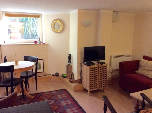Double bedroom flat. Central Harrogate.
