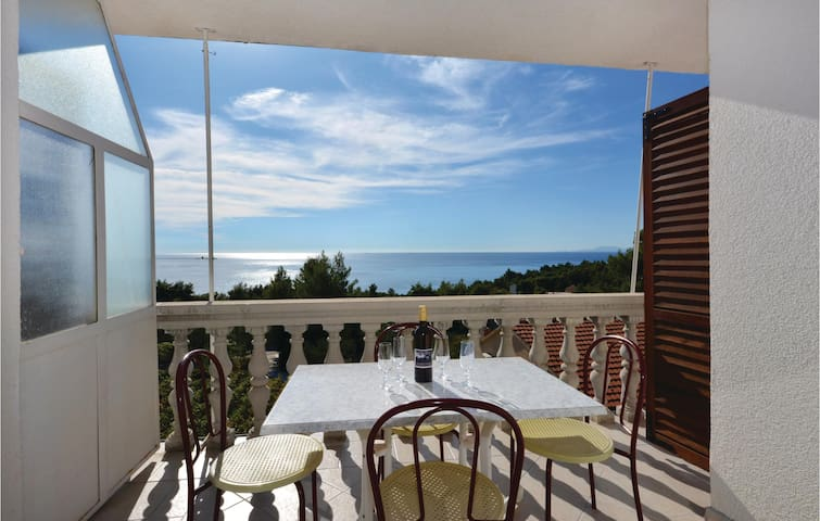 Holiday apartment with 2 bedrooms on 45 m² in Ivan Dolac