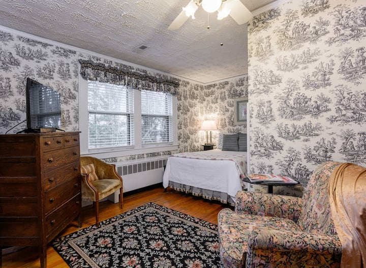 #8 Rose Room - OaklandCottage B&B