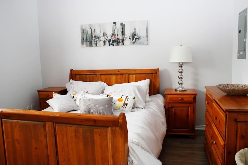 Chambre des maître avec lit queen