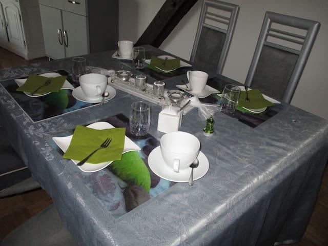 Sonnige, helle Dachgeschoßwohnung im Pfälzer Wald - Kirchheimbolanden - Bed & Breakfast
