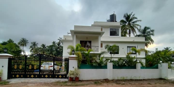 4BR Goan Villa:  Independent-Serviced-Private pool