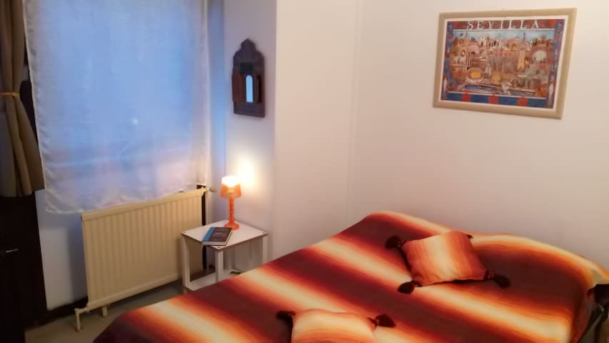 Cozy Private Room near the city center - Woluwe-Saint-Lambert - Apartment