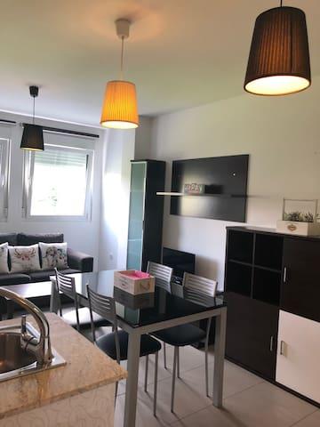 Agradable y moderno apartamento