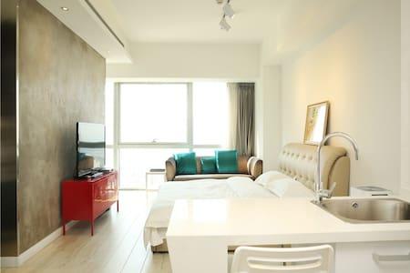 奥帆中心五四广场香港中路 新中式屏风 双大床海景套房 - Qingdao