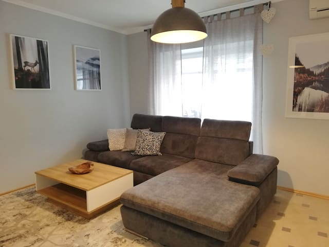Comfortable 2 bed apartment in Ramstein