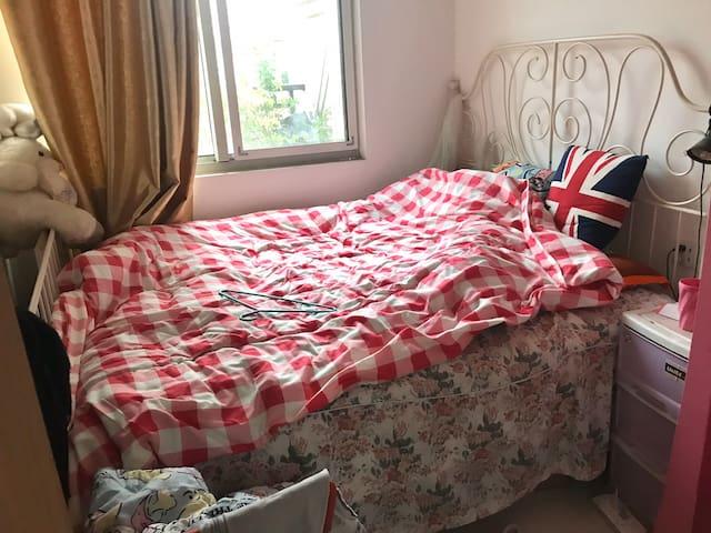 转租仅限长短租 限女生 靠近御桥女生自用小次卧