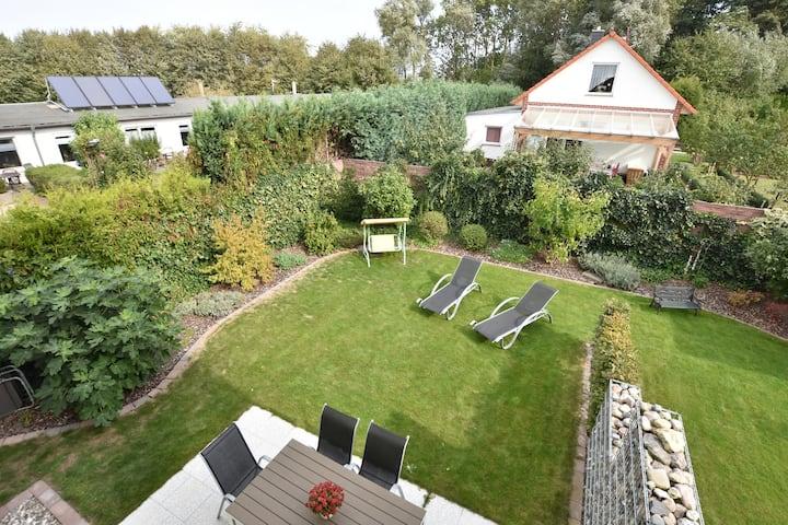 Ruime vakantiewoning met tuin in Kägsdorf