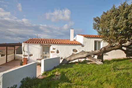 Sardisches Bauernhaus in der Natur mit Meerblick - Santa Teresa di Gallura - Casa