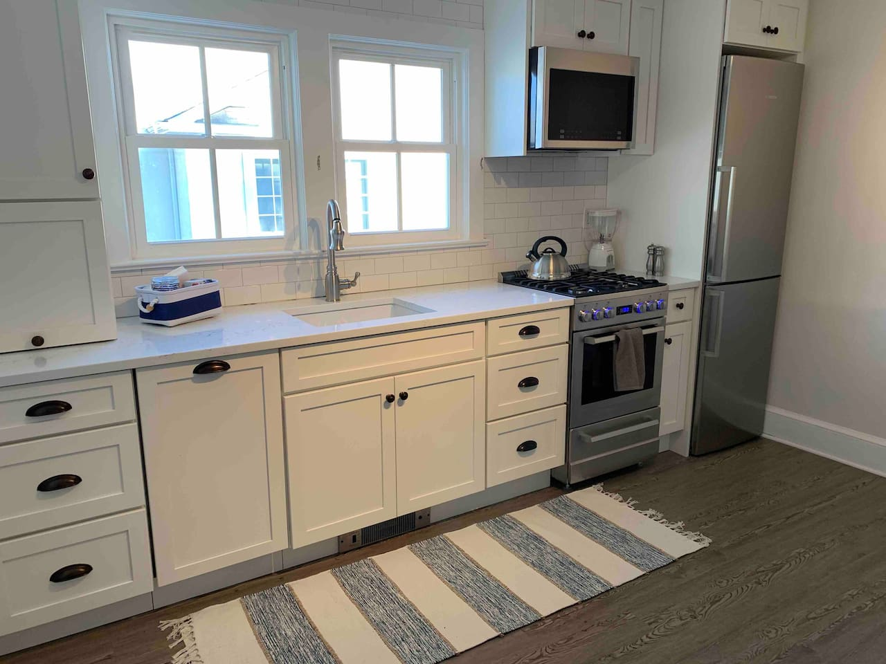 Beautiful newly renovated kitchen  complete  with all amenities for all your vacation needs