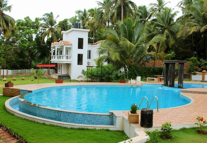Luxurious 5 Star 2 Bhk Apartment Near Baga Beach