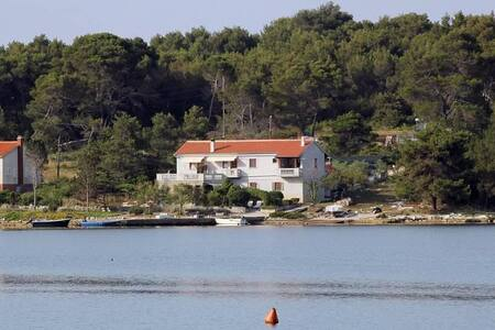 Two bedroom apartment near beach Veli Rat, Dugi otok (A-438-a) - Veli Rat