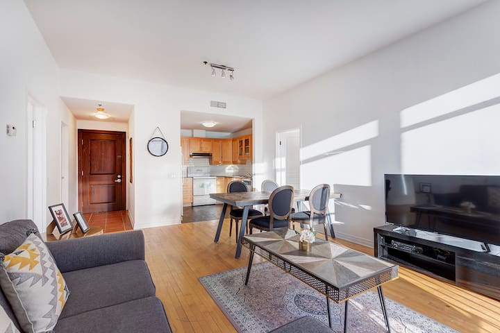 Apartment For 6 In Heart Of Downtown Montreal